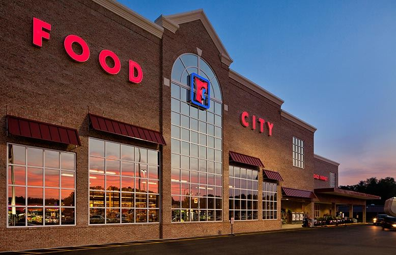 Picture of Front of New Food City Grocery Store